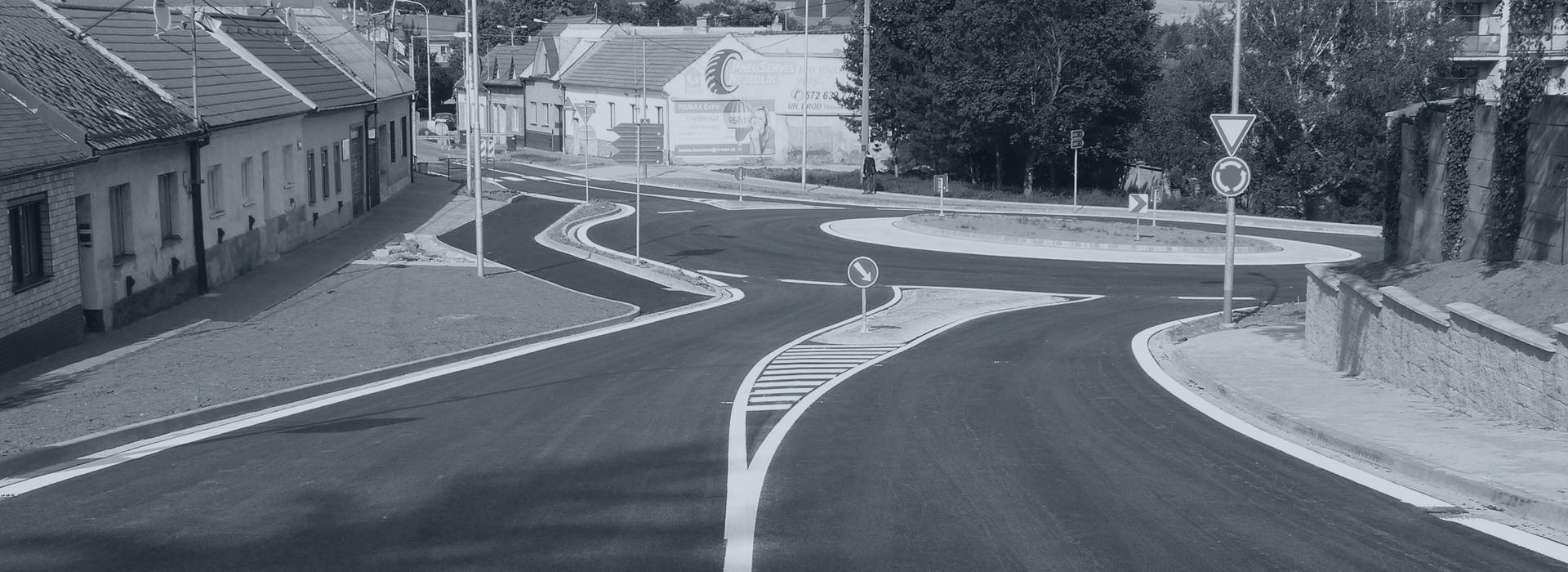 Dopravní značení, opravy a údržba komunikací